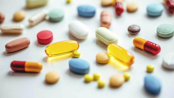 استفاده از دارو عامل زردی دندان